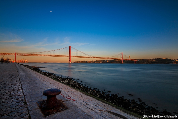 Ponte 25 De Abril zum Sonnenuntergang