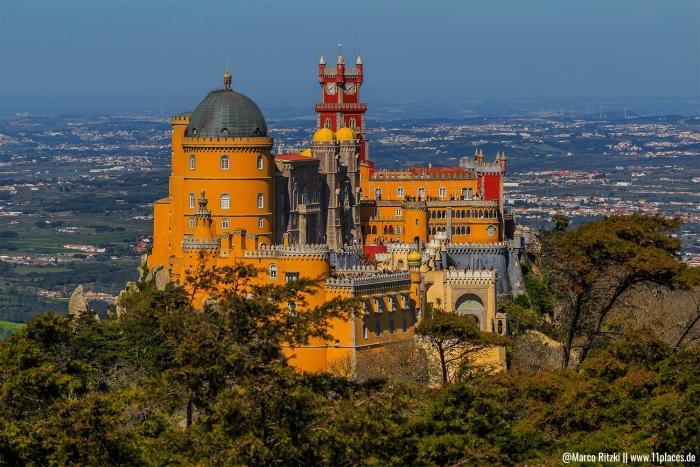 Der farbenfrohe Palaceo Nacional Da Pena
