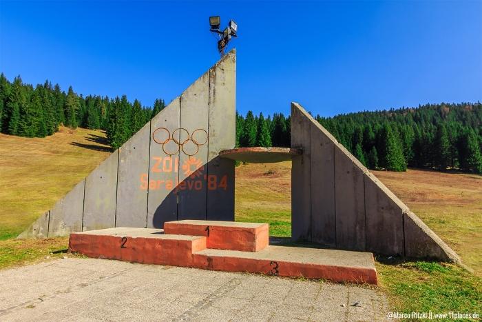 Lost Places Siegertreppe von den Olypmischen Winterspielen 1984