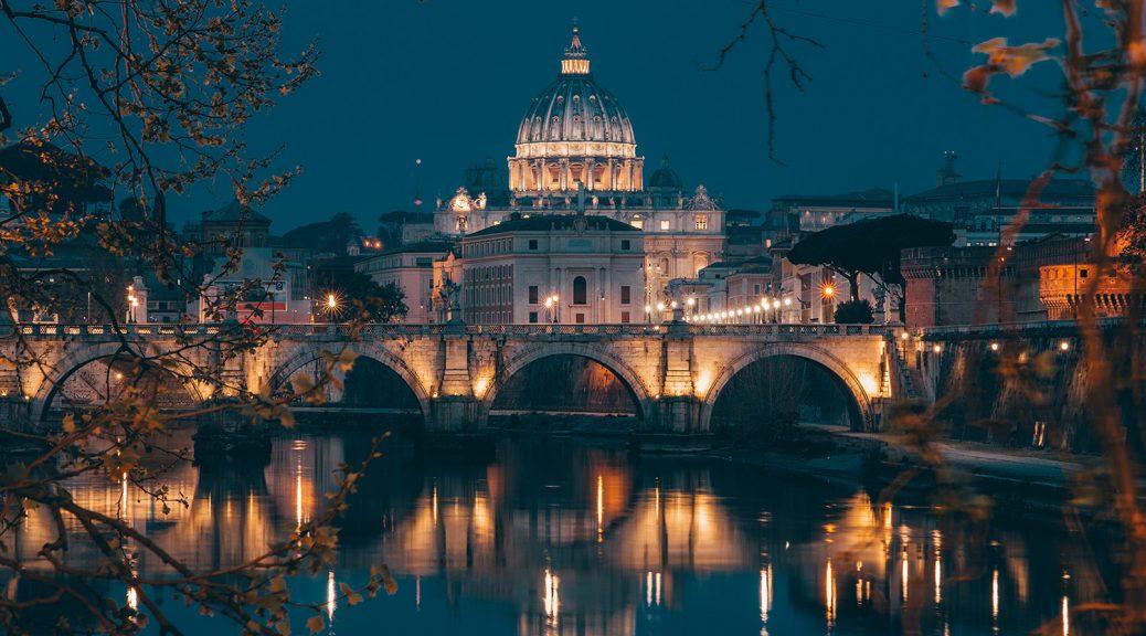 Der Petersdom und die Aureliusbrücke am Abend